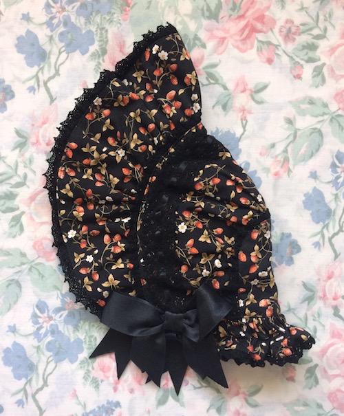 black strawberry bonnet