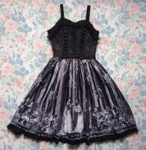 gothic snow white print dress
