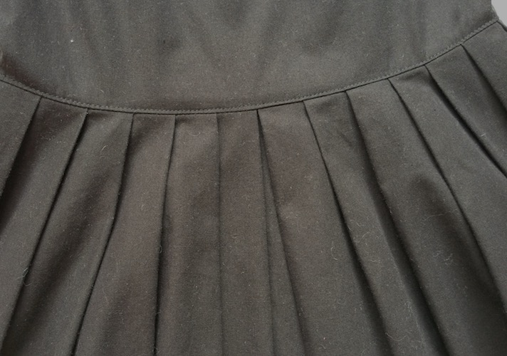 pleat detail
