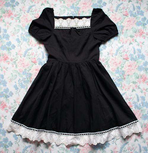moitie leaf lace dress