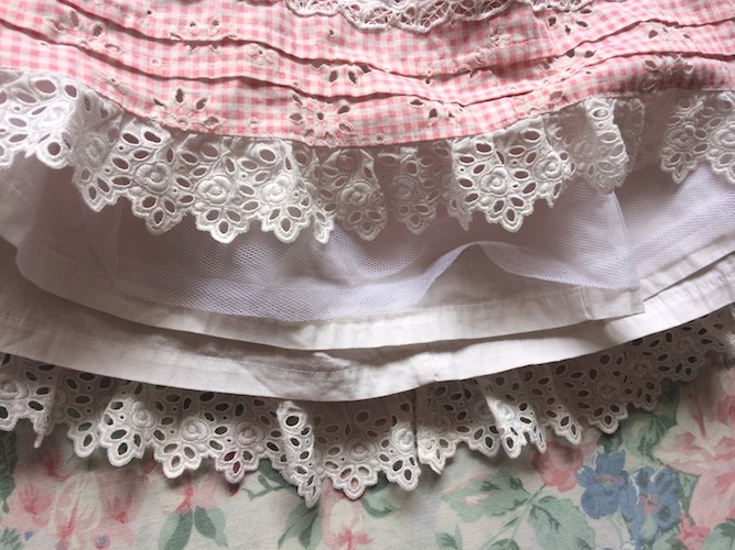 hem and lining detail