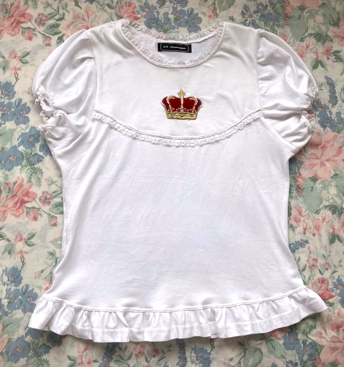 white top with red crown applique