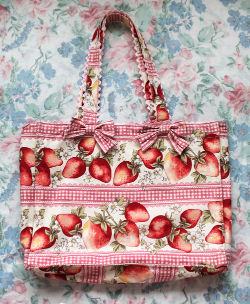 strawberry gingham tote