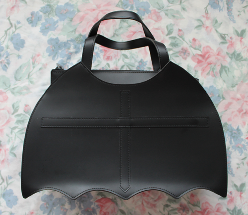 moitie bat bag