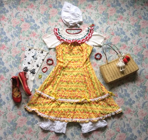yellow jsk coord with white bonnet