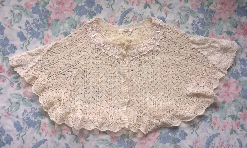 cream knitted capelet